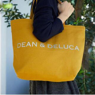 ディーンアンドデルーカ(DEAN & DELUCA)の<完売>DEAN & DELUCA チャリティートート キャラメルイエローL(トートバッグ)