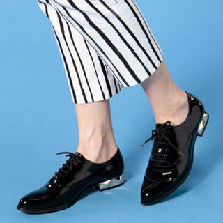 タビタ(TABITA)のtabita エナメル スタッズ レースアップシューズ(ローファー/革靴)