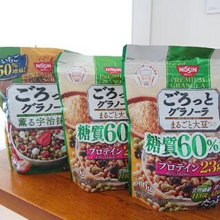 日清食品 - ごろっとグラノーラ 糖質オフまるごと大豆×2、薫る宇治抹茶