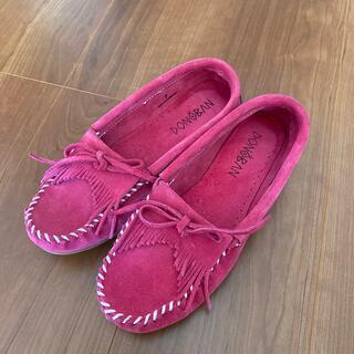ミネトンカ(Minnetonka)のDONOBAN ローファー ピンク 24cm  サイズ7(ローファー/革靴)