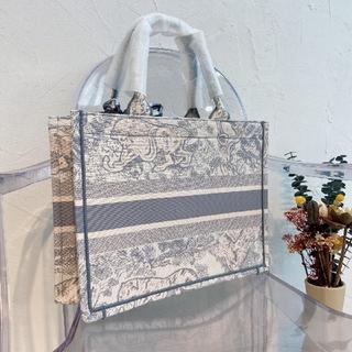 Dior - 最終値下げ!!!  DIOR ディオール ショップ袋 ^O^ 早い者勝ち