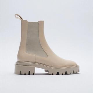 zara ブーツ サイドゴアブーツ ベージュ