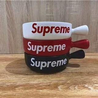 Supreme - Supreme、陶磁器の碗。