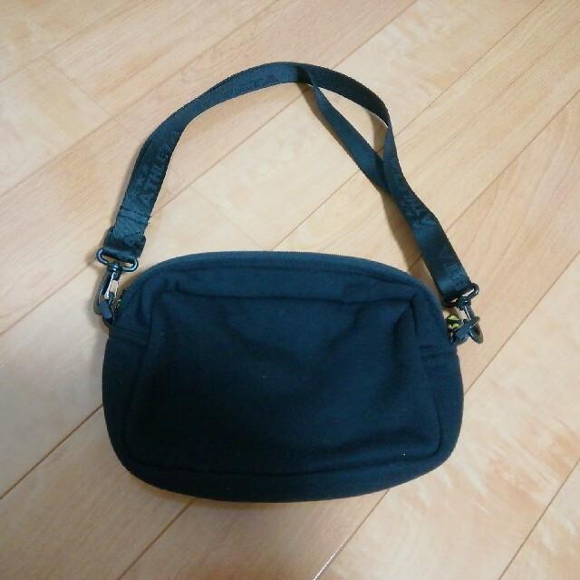 ATHLETA(アスレタ)のATHLETA 黒色ポーチ 美品 キッズ/ベビー/マタニティのこども用バッグ(ポシェット)の商品写真