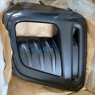 スバル(スバル)の【純正】新品 スバル フォレスター スポーツ アクセサリー フォグカバー SK5(車種別パーツ)