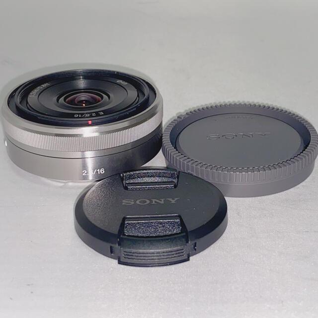 SONY(ソニー)の【未使用品】SONY 16mm f2.8 単焦点 パンケーキレンズ スマホ/家電/カメラのカメラ(レンズ(単焦点))の商品写真
