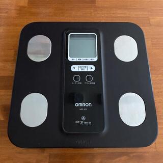 オムロン(OMRON)の【送料込み】オムロン製⭐︎高機能体重計⭐︎HBF-202⭐︎動作確認済み(体重計/体脂肪計)
