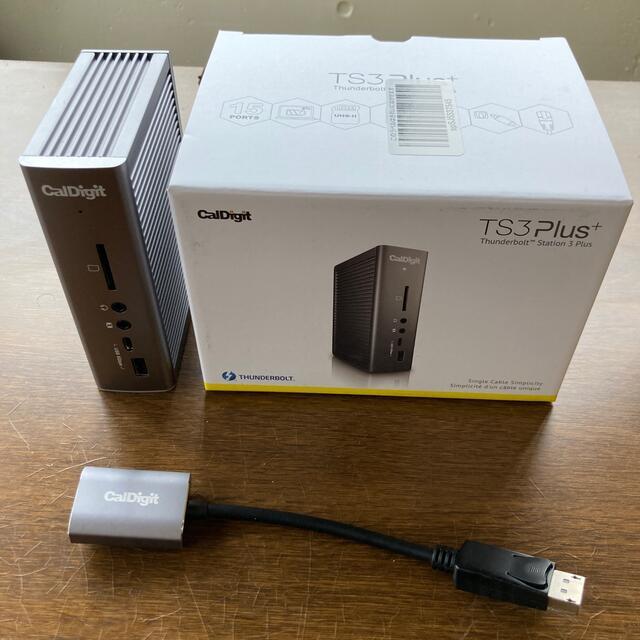Apple(アップル)の【新品同様】CalDigit TS3 Plus アダプター付き スマホ/家電/カメラのPC/タブレット(PC周辺機器)の商品写真