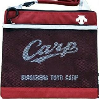 広島東洋カープ - 広島東洋カープ公式 DESCENTEサコッシュ2019モデル