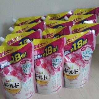 ピーアンドジー(P&G)のボールド詰替×12袋/アロマティックフローラル&サボン(洗剤/柔軟剤)