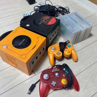 ニンテンドーゲームキューブ(ニンテンドーゲームキューブ)の最終ゲームキューブ 本体2つ コントローラー2つ マイク ソフト10本 中古 (家庭用ゲーム機本体)