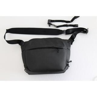 ソニー(SONY)のピークデザイン エブリデイスリング 6L ブラック(ケース/バッグ)