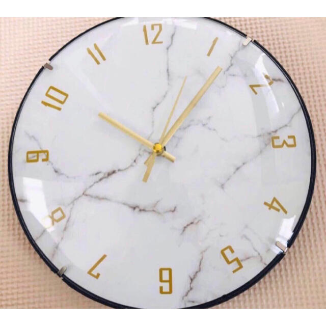 掛け時計 マーブル調 新品未使用 インテリア/住まい/日用品のインテリア小物(掛時計/柱時計)の商品写真