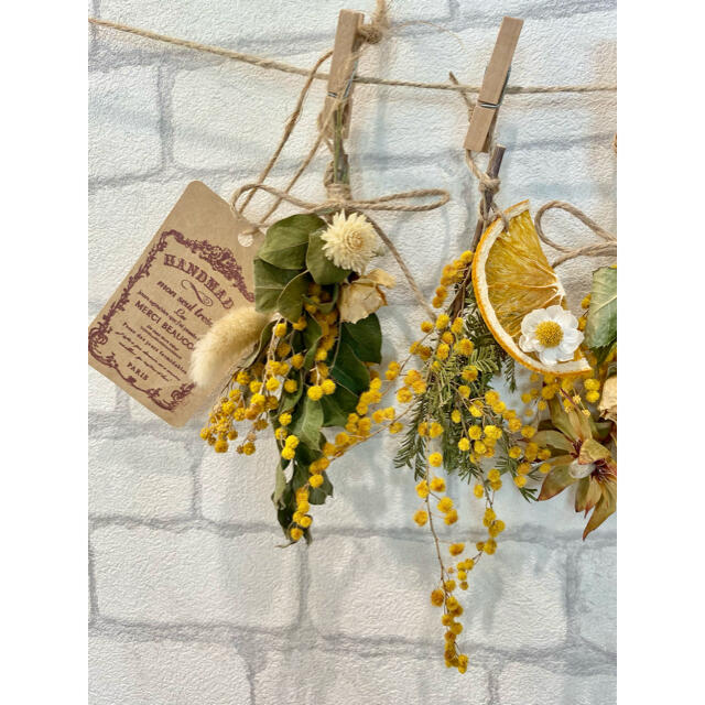 ドライフラワー スワッグ ガーランド❁311 黄色ミモザ 白オレンジ 花束♪ ハンドメイドのフラワー/ガーデン(ドライフラワー)の商品写真