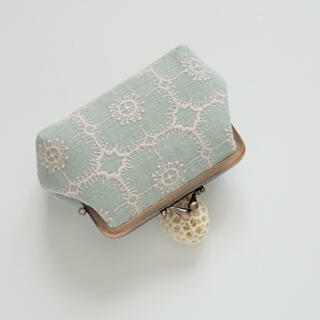 mina perhonen - コロっとした形が可愛い♡小物を入れるのに便利なサイズ感のがま口