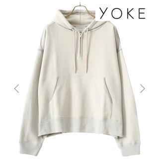 コモリ(COMOLI)の美品 YOKE OVERSIZED PIPING HALF ZIP PARKA(パーカー)