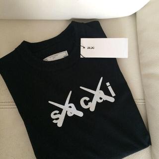 sacai - 【青山店限定】sacai✖️KAWS/Flock Print T-shirt ☆