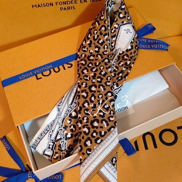 LOUIS VUITTON(ルイヴィトン)のLOUIS VUITTON バンドー/ワイルドアットハート レディースのファッション小物(バンダナ/スカーフ)の商品写真