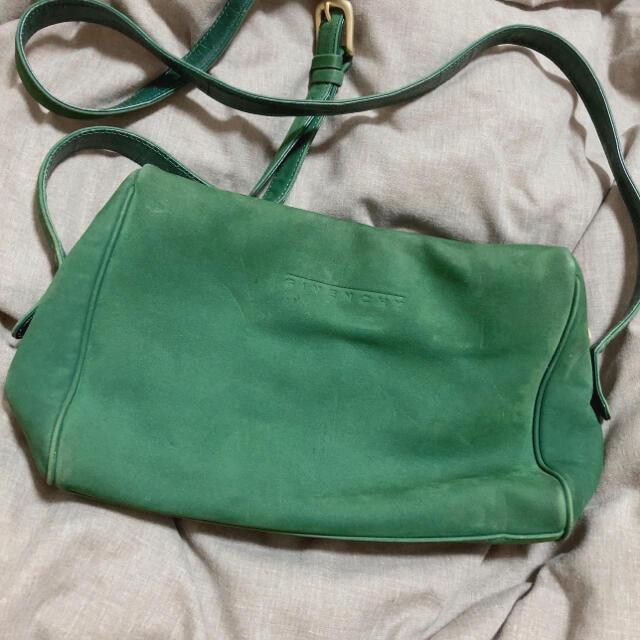 GIVENCHY(ジバンシィ)のgivenchyショルダーバック レディースのバッグ(ショルダーバッグ)の商品写真