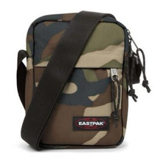 イーストパック(EASTPAK)のEASTPAK ショルダーバッグ  迷彩(ショルダーバッグ)