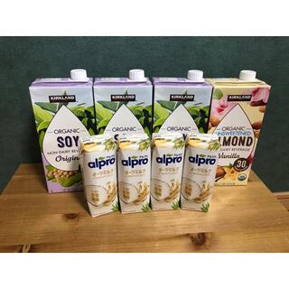 コストコ(コストコ)のコストコKIRKLANDソイミルク、アーモンドミルク(ソフトドリンク)