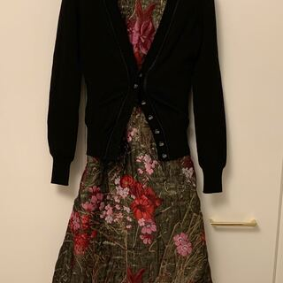 DOLCE&GABBANA - 定価80%オフ 新品タグ付きDolce&Gabbana膨れ織り花柄刺繍ワンピース