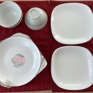 ヤマザキセイパン(山崎製パン)の白の食器 3人家族分  ヤマザキ パン祭り皿(食器)