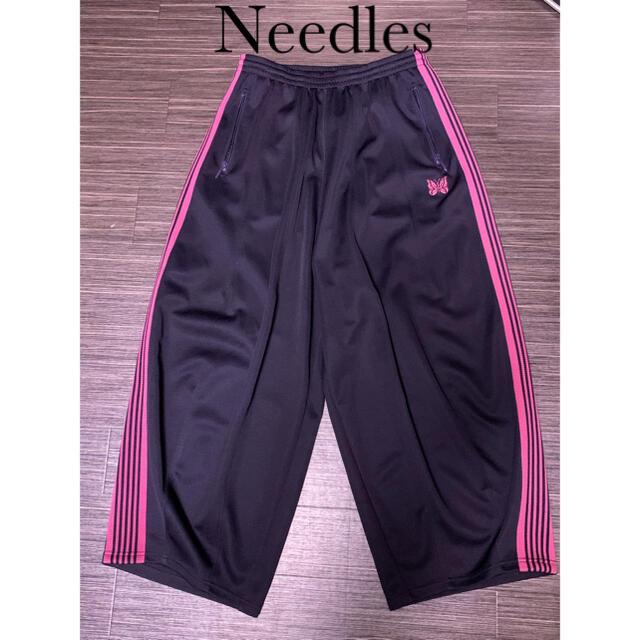 Needles(ニードルス)のNeedles ヒザデルトラックパンツ20SS 未使用に近い美品 メンズのパンツ(その他)の商品写真