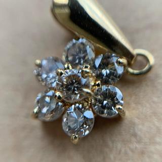 ダイヤモンド お花 k18  ペンダント 小さなトップ