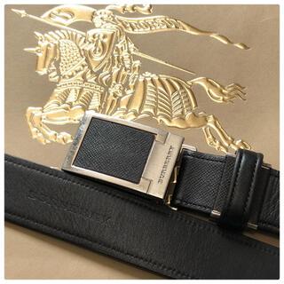 バーバリー(BURBERRY)の極美品⭐️バーバリー ロゴ刻印 シルバーバックル ブラック レザーベルト メンズ(ベルト)