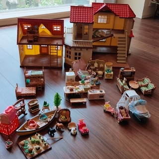 エポック(EPOCH)のシルバニアファミリー あかりの灯る大きなお家と基本のお家 家具セット(ぬいぐるみ/人形)