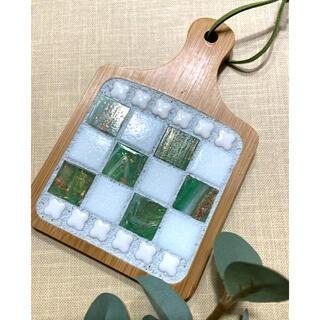 ガラスモザイクタイルの爽やかコースター...♪*゚(ホワイト・グリーン)(キッチン小物)