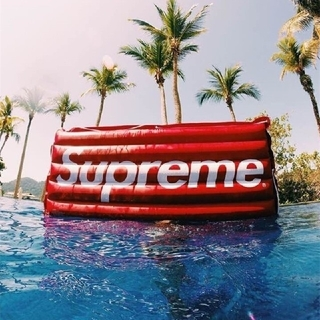 Supreme - supremeスイミングフローボード赤いエアインフレータブルベッド