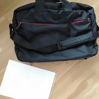 ユニクロ(UNIQLO)のブリーフィングケース ショルダーバッグ 出張 ノートパソコン持ち運び(ビジネスバッグ)