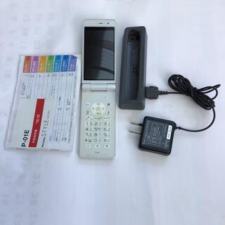 パナソニック(Panasonic)のP-01E ガラケー(携帯電話本体)