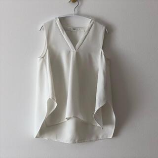 エミアトリエ(emmi atelier)のemmi タックノースリーブトップス(シャツ/ブラウス(半袖/袖なし))