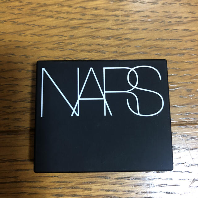 NARS(ナーズ)のNARS ハイライティングブラッシュパウダー ミニ コスメ/美容のベースメイク/化粧品(フェイスカラー)の商品写真