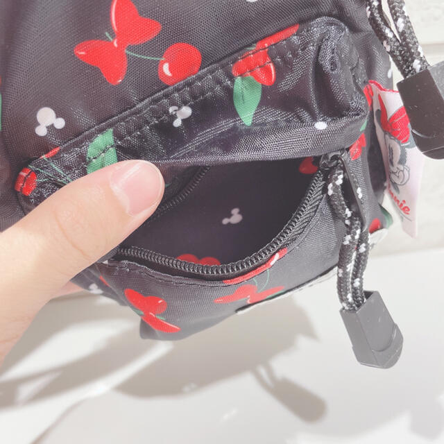 Disney(ディズニー)のSs様検討【未使用】OUTDOOR×Disney リュック型ポーチ CHERRY レディースのファッション小物(ポーチ)の商品写真