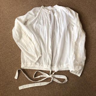 TOMORROWLAND - 袖刺繍ブラウス☆マカフィートゥモローランド♪白    U