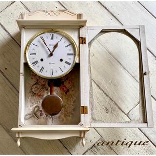 フランスアンティークのようなシャビーな古時計 SEIKO 柱時計 薔薇 レトロ