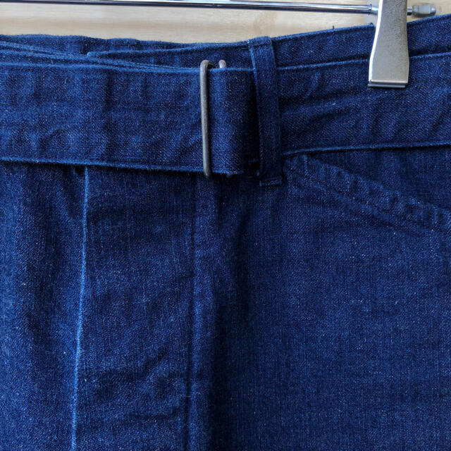 COMOLI(コモリ)の17SS comoli ベルテッドデニム ショートパンツ コモリ メンズのパンツ(ショートパンツ)の商品写真