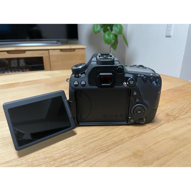 Canon(キヤノン)のCanon EOS 80D  ボディとレンズ スマホ/家電/カメラのカメラ(デジタル一眼)の商品写真