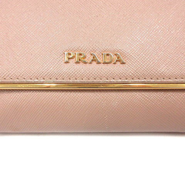 PRADA(プラダ)のプラダ サフィアーノ 三つ折り財布 ロゴ レザー ピンク レディースのファッション小物(財布)の商品写真