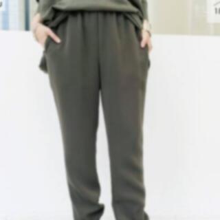 アパルトモンドゥーズィエムクラス(L'Appartement DEUXIEME CLASSE)のCol Pierrot コルピエロ  裾リブパンツ カーキ(カジュアルパンツ)