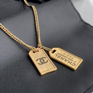シャネル(CHANEL)のCHANELレトロ金メダルネックレス(ハンカチ)
