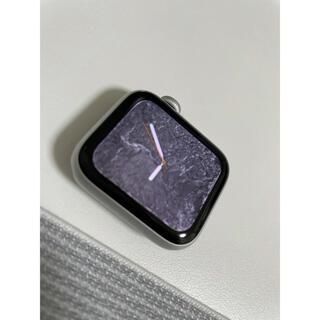 アップルウォッチ(Apple Watch)のApple Watch SE NIKEバンド 試着のみ 無傷 (腕時計(デジタル))
