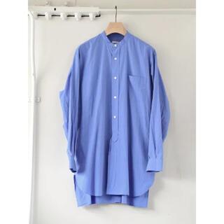 コモリ(COMOLI)のCOMOLI 2021AW新作バンドカラーシャツ サックス サイズ3 新品未使用(シャツ)