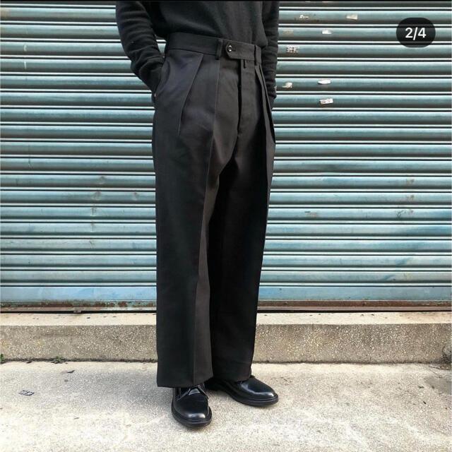 COMOLI(コモリ)のNEAT ホップサック 46  ブラック テーパード メンズのパンツ(スラックス)の商品写真