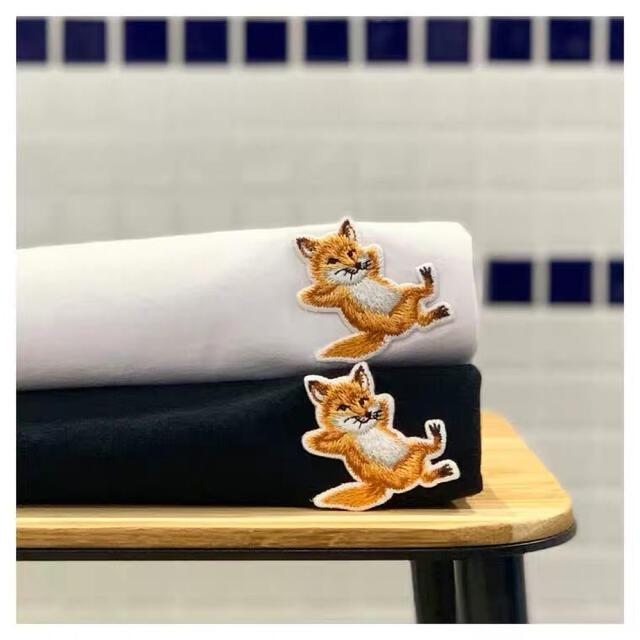 MAISON KITSUNE'(メゾンキツネ)のMAISON KITSUNEメゾンキツネ  男女兼用  純綿Tシャツ 子狐半袖 レディースのトップス(Tシャツ(半袖/袖なし))の商品写真