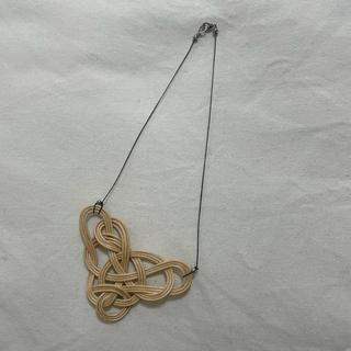 アッシュペーフランス(H.P.FRANCE)のYOSHIKO 籐編み かご ネックレス(ネックレス)
